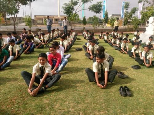 sarvyog-internatinal-school-yoga-day (12)