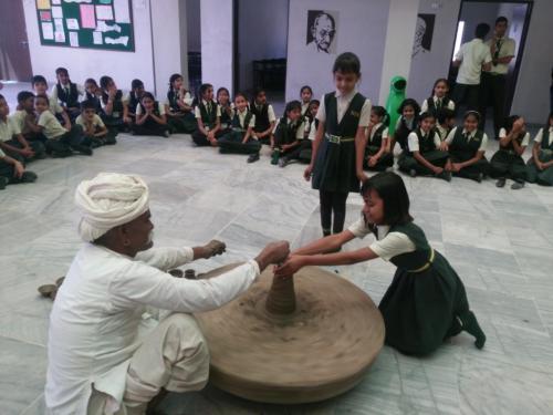 sarvyog-international-school-art-craft (1)